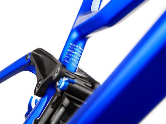 Dartmoor Thunderbird karbon fulldempet ramme blue
